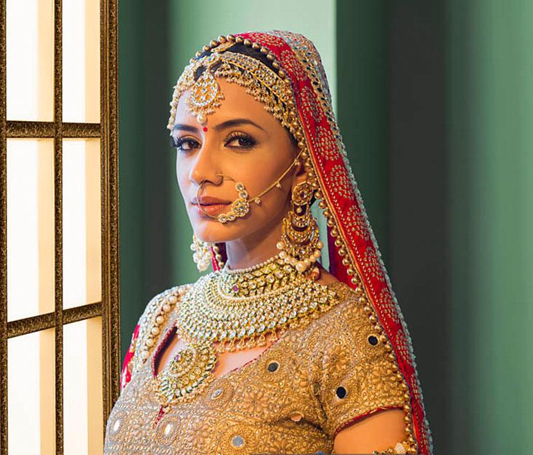 bb220ad597 VLCC - Indian Wedding Makeup Salon | Best Bridal Makeup Artist Near ...